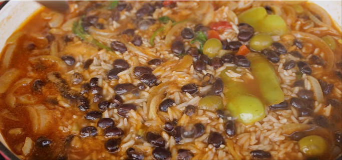 Dominican rice and beans moro de habichuela negras steps 2 forumfinder Image collections